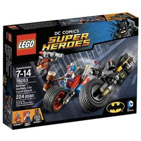 Batman: inseguimento sul Batciclo a Gotham City